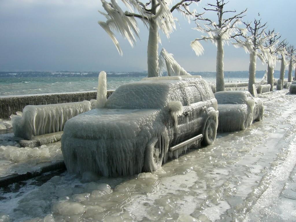 Canada-strada-ghiacciata